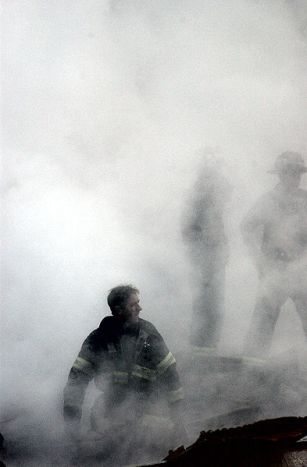 393px-Firefigher_Smoke_World_Trade_Center_New_York_City_9_2001